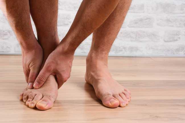 อาการปวดหน้าเท้า