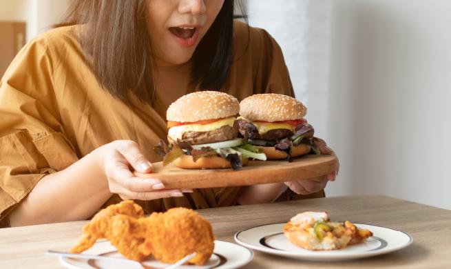 การกินจนอ้วน